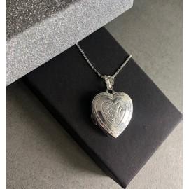 """Srebrna verižica """" Medaljon srce"""""""